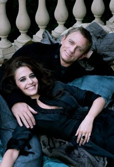 Daniel Craig & Eva Green, love the pose for an engagement shoot.