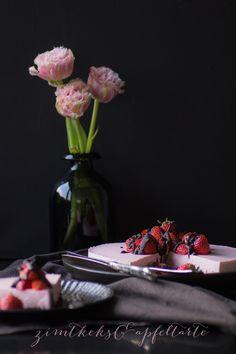 Strawberry-Cheesecake mit frischen Erdbeeren und Oreo-Boden
