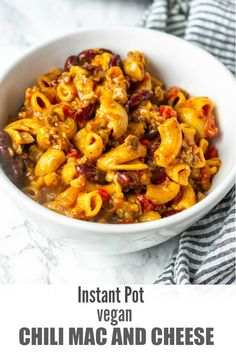 Instant Pot Vegan Chili Mac And Cheese Recipe on Yummly. Instant Pot Vegan Chili Mac And Cheese - I made this in a regular large wok pan because I don't have an instant pot. I cooked the garlic, onions and red pepper in oil for about 5 Vegan Mac And Cheese, Chili Mac And Cheese, Mac Cheese, Cheddar Cheese, Healthy Pancakes Oatmeal, Chili Burger, Pasta Recipes, Cooking Recipes, Cooking Chili
