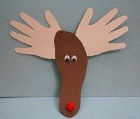 I love this hand print, footprint reindeer Christmas craft from Free Kids Crafts… - Rentier basteln Kids Crafts, Easy Christmas Crafts For Toddlers, Toddler Christmas, Holidays With Kids, Christmas Activities, Toddler Crafts, Preschool Crafts, Simple Christmas, Holiday Crafts