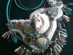 Palomino Dreams Statement necklace por RockNRoses en Etsy, $625.00