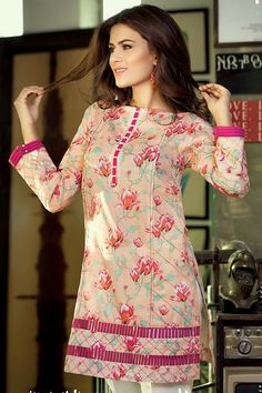 Gul Ahmed Digital Printed Summer Lawn Dresses & Kurtis Designs 20172018 is part of lawn Design 2018 - Loading Comments comments Beautiful Dress Designs, Stylish Dress Designs, Simple Pakistani Dresses, Pakistani Dress Design, Kurti Designs Pakistani, Sleeves Designs For Dresses, Dress Neck Designs, Pakistani Fashion Party Wear, Pakistani Outfits