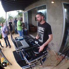 The coolest Vine we saw of our Klout Krib! #KloutSXSW via Chris Goulet