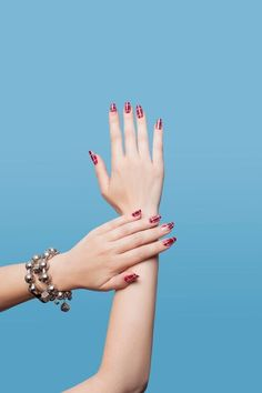 Learn how to look pretty in punk with manicurist Holly Falcone's to-die-for tartan nails.#LessonsFromThePros ==