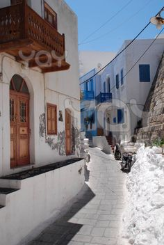 Wandering through towns on any Greek Island is one of life's indescribable pleasures. This is a narrow street in Mandraki on the Greek island of Nissyros Architecture Life, Mediterranean Architecture, Beautiful Islands, Beautiful World, Beautiful Places, Central Plaza, City By The Sea, Greek Isles, Greece Islands