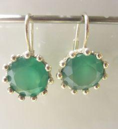 Cadeautje mirjamOorbellen van Coby van den Bor met Peridoot. Alle sieraden van Coby van den Bor zijn met de hand gemaakt. Bestel bij Carla's Jewels, grote collectie online en gratis bezorgd! -