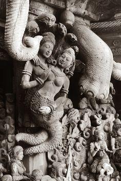 Human Sculpture, Buddha Sculpture, Sculptures, Ancient Architecture, Temple Architecture, Lord Krishna Sketch, Meat Art, Buddha Painting, Art Base