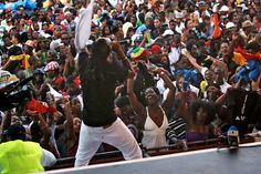 http://www.caribbeanlifenews.com/assets/photos/2010/10/2010_10_03_wf_dominica-creole-festival6_z.jpg