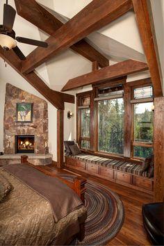Big Bedroom with big Windowsill - Window Ideas