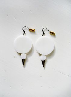 modern. edgy. snow spike earrings.