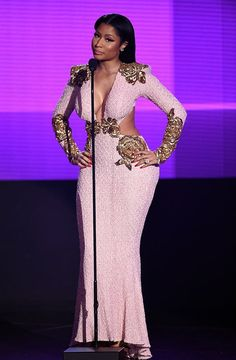 or Hmm…: Nicki Minaj's 2015 American Music Awards Michael Costello Pink Gown With Side Cut Outs and Gold Appliqué Michael Costello, Pink Gowns, Pink Dress, Daily Fashion, Fashion News, Fashion Beauty, American Music Awards 2015, Nicki Minaj Photos, Toms