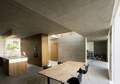 A House by FKL Architects Concrete + wood Architecture Awards, Interior Architecture, Futuristic Architecture, Interior Design Kitchen, Modern Interior Design, White Wood Kitchens, Concrete Interiors, Minimalist Kitchen, Cuisines Design