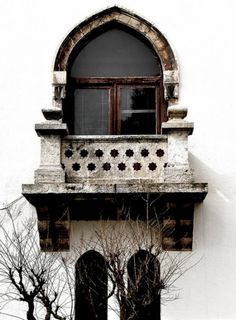 arch, exterior, stone, stucco, white, grey, winter, balcony from: notesondesign