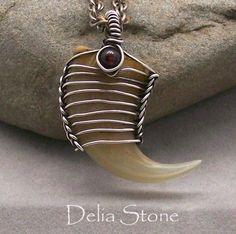 Green Corn Pendant Tutorial by: Delia Stone Wire Wrapped Jewelry, Metal Jewelry, Antler Jewelry, Seashell Jewelry, Collar Indio, Viking Knit, Dragonfly Pendant, Earring Tutorial, Necklace Tutorial