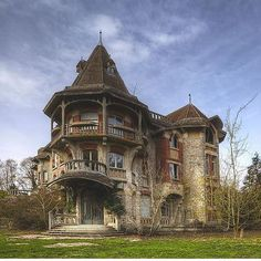 Abandoned Manor in France  Photo by @timster_1973