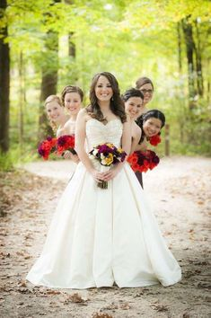 Wedding Photos With Your Bridesmaids / http://www.deerpearlflowers.com/wedding-photos-with-your-bridesmaids/ #weddingphotography