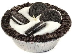 <h4>About Pie Candles</h4> Our small Cookies and Cream pie candles smell so delicious it will make your taste buds go crazy. These small pie candles have a decadent chocolate cookie crust filled with a sweet creamy whipping and are topped off with cream filled chocolate cookies. We hand craft these scented pie candles using a paraffin wax giving them an amazing f...