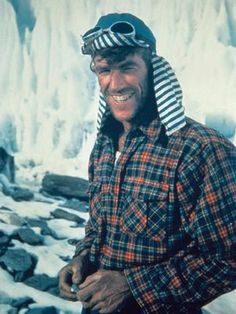 Edmund Hillary at Camp IV during the Everest expedition. His striped cap was something of a personal trademark. Mountain Climbing, Rock Climbing, Auckland, Mount Everest, Moving To New Zealand, Heavy Jacket, Extraordinary People, Mountaineering, Go Camping