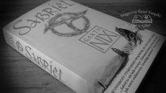 """Sabriel"", Garth Nix, wyd. Literackie, recenzja http://magicznyswiatksiazki.pl/recenzja-sabriel-garth-nix/"