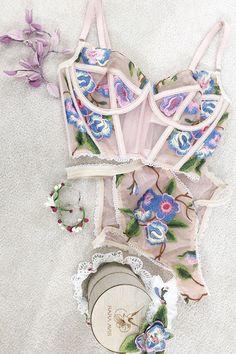 wedding night lingerie high waisted lingerie with bustier and-flower print rara avis lingerie