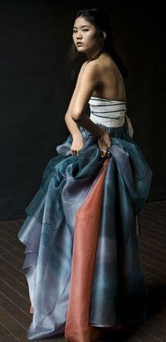Another gorgeous hanbok