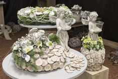 Funeral, Table Decorations, Cemetery, Cement, Home Decor, Flowers Background Iphone, All Saints Day, Weihnachten, Basteln