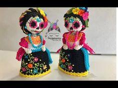 Mini Catrina en amigurumi, amigurumis by Petus - YouTube Diy Crochet, Crochet Hats, Crochet Videos, Amigurumi Doll, Puppets, Mini, Dolls, Halloween, Pokemon