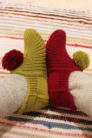 Knitted Slippers, Knit Wrap, Knitting Socks, Knit Socks, Mittens, Pattern, Crafts, Fashion, Crochet Ideas