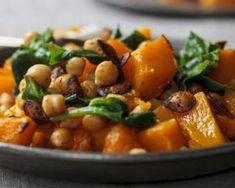 Salade rôtie de courge aux pois chiches et épinards : http://www.fourchette-et-bikini.fr/recettes/recettes-minceur/salade-rotie-de-courge-aux-pois-chiches-et-epinards.html