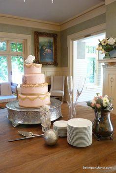 Cake and cake servic