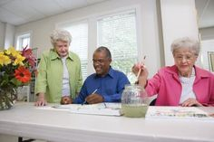 How to Lead an Arts & Craft Class for Senior Citizens