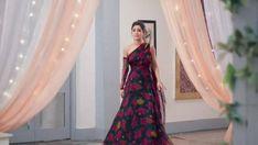 Stylish Dress Designs, Stylish Dresses, Fashion Dresses, Cute Prom Dresses, Homecoming Dresses, Party Dresses, Indian Designer Outfits, Designer Dresses, Simple Gown Design