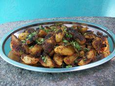YUMMY TUMMY: Chukka Aloo Sabzi / Dry Potato Curry / Crispy Masala Coated Potatoes