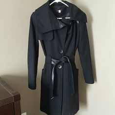 Victorias Secret VIA wool trench EUC Wool trench by VIA VS. Faux leather trim. 3 front buttons. No flaws. 60% wool. Will dry clean upon purchase as it has collected some hair and dust. Cute and trendy. Extra buttons on coat. Will take $15 off price if you'd like the jacket as-is, must agree that the jacket will not come dry cleaned and it has collected dust and hair from storing. Victoria's Secret Jackets & Coats Trench Coats