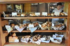 小さなパン屋さん Bread Display, Cafe Display, Bakery Display, Bakery Store, Bakery Cafe, Bakery Shop Design, Restaurant Design, Mini Bars, Danish Bakery
