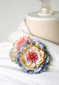 A beautiful accent for your wedding gown, bridesmaid or flower girl dresses. This Taupe ribbon belt is made of high quality double faced ribbon. It has a silky feel and drapes beautifully. Fabric Flower Pins, Fabric Flower Brooch, Fabric Ribbon, Ribbon Belt, Lace Flowers, Felt Flowers, Crochet Flowers, Flores Diy, Unique Gifts For Women