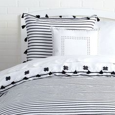 Signature Stripe Reversible Duvet Cover and Sham Set With Tassels - Twin/Twin XL