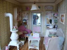 Frederica's Little World  Great blog w/ Tiny treasures
