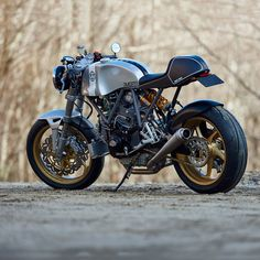 Walt Siegl is back with two incredible new Leggero cafe racers. And we can't tear our eyes away from them. They've got custom cromoly frames, blueprinted Ducati 900SS motors with 944 big bore kits and massaged heads, and Kevlar bodywork. Here's one: head over to http://www.bikeexif.com/walt-siegl-leggero to see the other.