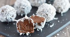 These easy Avocado Truffles are a great way to satisfy your sweet tooth without having to indulge in unhealthy desserts. They're gluten free & dairy free! Vegan Sweets, Vegan Desserts, Raw Food Recipes, Avocado Recipes, Delicious Recipes, Healthy Treats, Healthy Baking, Paleo Dessert, Dessert Recipes