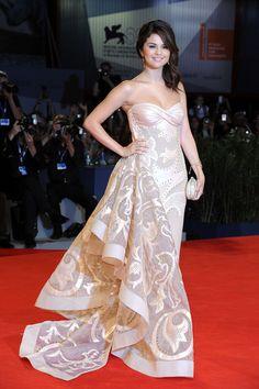 Pactar con el Diablo por...: El Hollywood más joven toma Venecia con Selena Gomez y Vanessa Hudgens a la cabeza