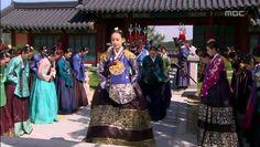 Dong Yi, Korean Hanbok, Korean Actresses, Korean Outfits, The Crown, Korean Drama, Kdrama, Jewel, Most Beautiful