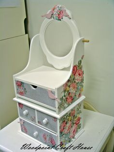 #diy #handmade #woodpointcrafthouse #gift #painting #countrypainting #decopage #stencil #handpainting Painted Boxes, Wooden Boxes, Dressing Table Design, Desktop Storage, Bedroom Bed Design, Decoupage Box, Altered Boxes, Wooden Projects, Wooden Art