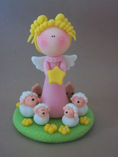 Polymer clay angel and sheep Sculpey Clay, Polymer Clay Figures, Fondant Figures, Polymer Clay Projects, Polymer Clay Creations, Polymer Clay Art, Polymer Clay Christmas, Clay Baby, Clay Figurine