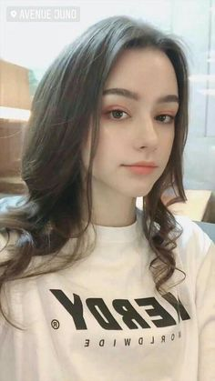Look Your Absolute Best With These Beauty Tips Beautiful Girl Makeup, Beautiful Girl Photo, Beautiful Girl Indian, Cute Beauty, Uzzlang Girl, Girl Face, Girl Photography Poses, Girl Photo Poses, Girl Pictures