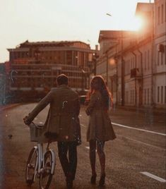 Discover recipes, home ideas, style inspiration and other ideas to try. Bae, Fotos Goals, Story Inspiration, Hopeless Romantic, Couple Photography, Retro, Romans, Couple Goals, Cute Couples