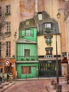 Paris, this is in rue Galande, 5th Arr, and there have been shops here for at least 800 years. Odette, the boulangerie, is famous for its choux pastry!
