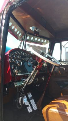 1000 images about large car interiors on pinterest peterbilt custom big rigs and semi trucks. Black Bedroom Furniture Sets. Home Design Ideas