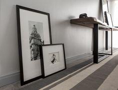Ambiente: Dormitorio. Zócalo Extraline ATRIM. Altura: h100mm. Antipolilla - Ecológico - Impermeable - Textura Madera - Fácil Instalación.