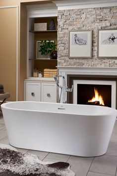 Are you looking to make a freestanding tub the elegant focal point of your master bathroom? Whether you prefer traditional looks, modern concepts or blending both with a transitional creation, understanding the differences in each will help ensure you find the perfect one to fit your bathing oasis. (Pictured: Celeste™ Freestanding Bathtub by @jacuzziofficial)